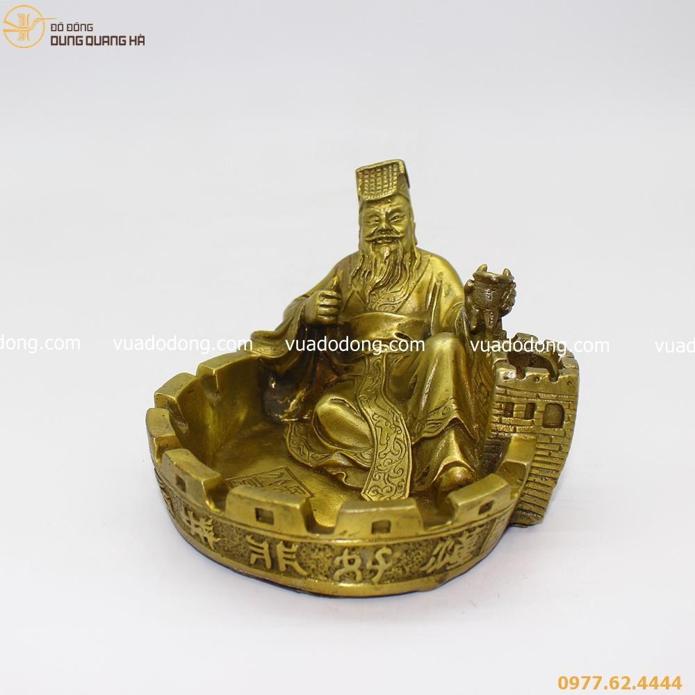 Mau-gat-tan-Tan-Thuy-Hoang-ngoi-van-canh