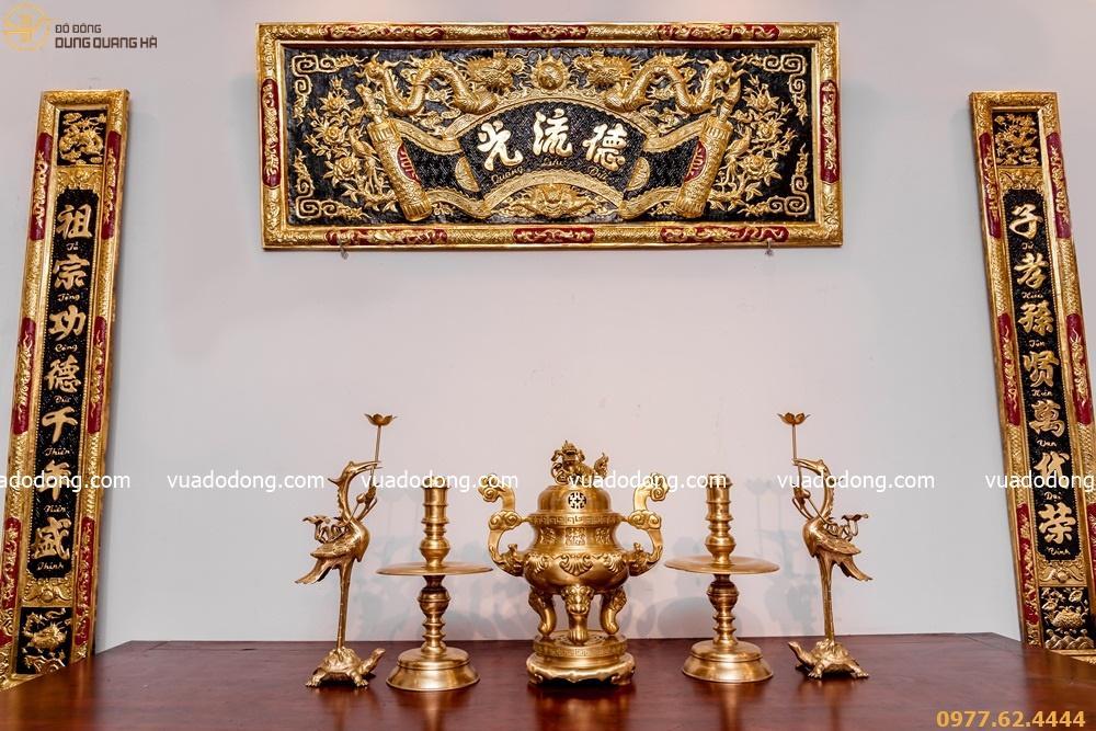 Bộ đồ thờ đồng vàng đầy đủ đỉnh chạm sòi tinh tế