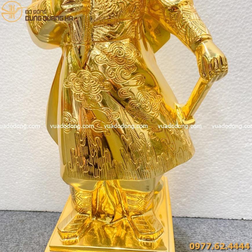 Tượng danh nhân Trần Quốc Tuấn mạ vàng 24k