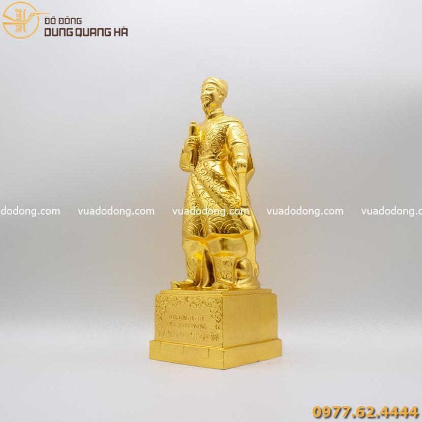 Tượng đồng Trần Quốc Tuấn dát vàng 9999