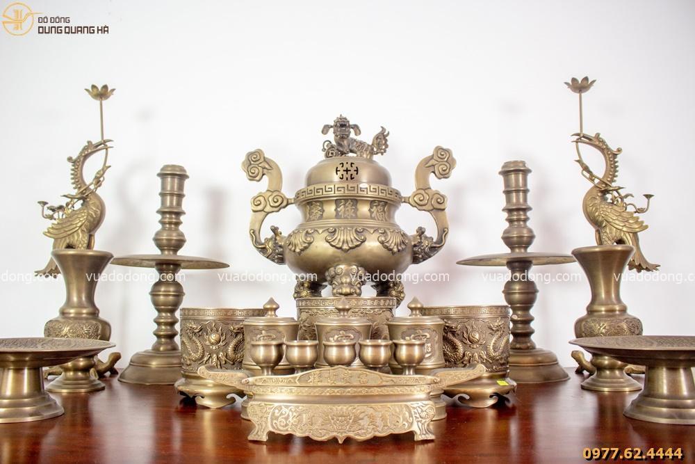 Bộ đồ thờ hoàn chỉnh có thiết kế sang trọng, bắt mắt