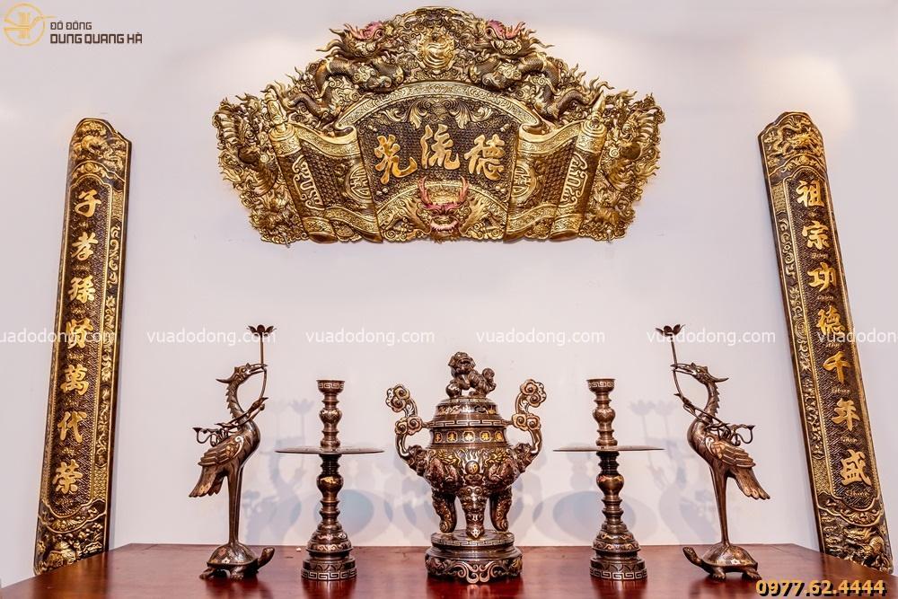 Bộ đồ thờ đầy đủ khảm ngũ sắc hoa văn song long bát quái