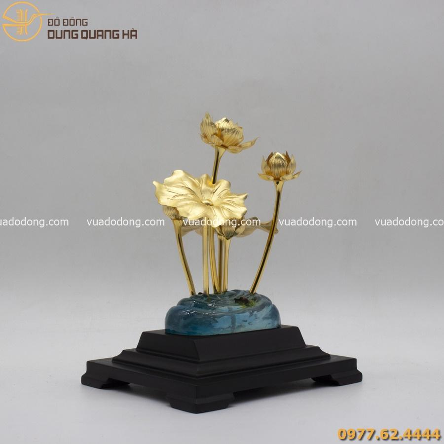 Hoa sen mạ vàng 24k thiết kế sang trọng, tinh xảo