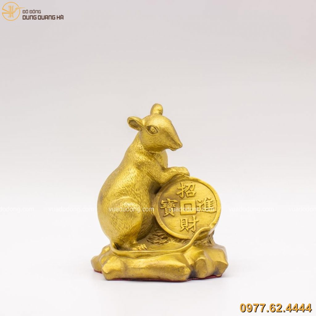 Tượng chuột ôm tiền xu mạ vàng 24k