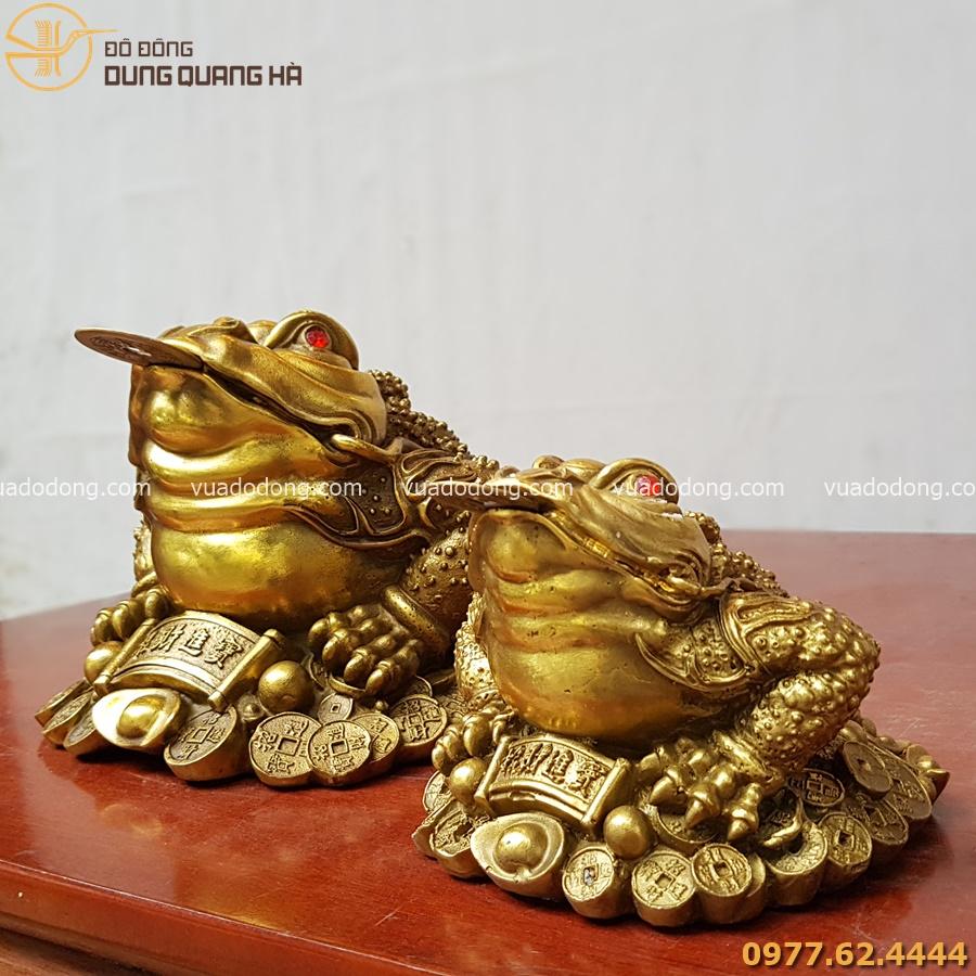 Cóc ngậm tiền bằng đồng vàng mộc
