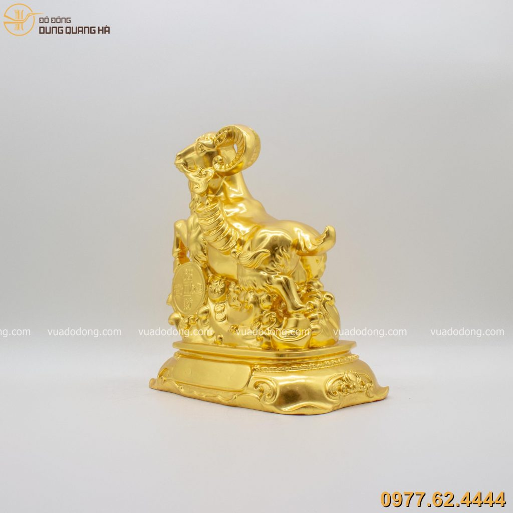 Tượng dê ngậm xâu tiền thếp vàng 9999