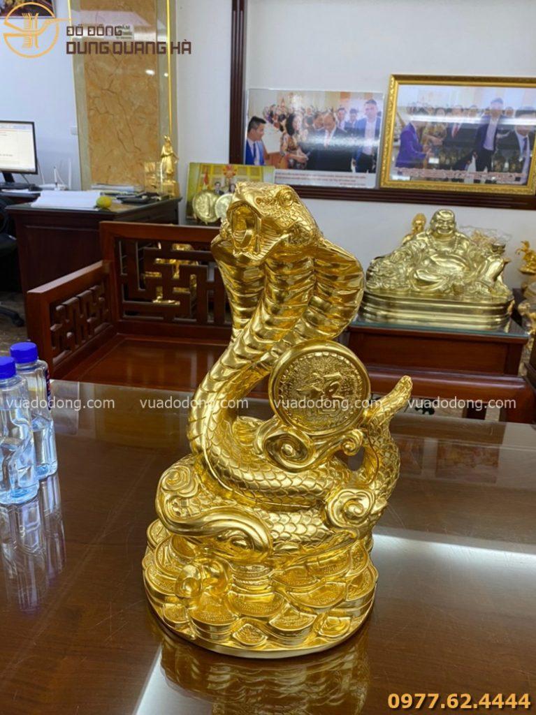 Tượng rắn phong thủy chiêu phúc thếp vàng 9999 cao 40 cm