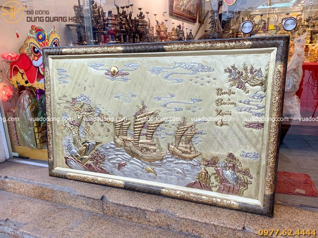 Tranh Thuận buồm xuôi gió với họa tiết tinh tế và sang trọng.
