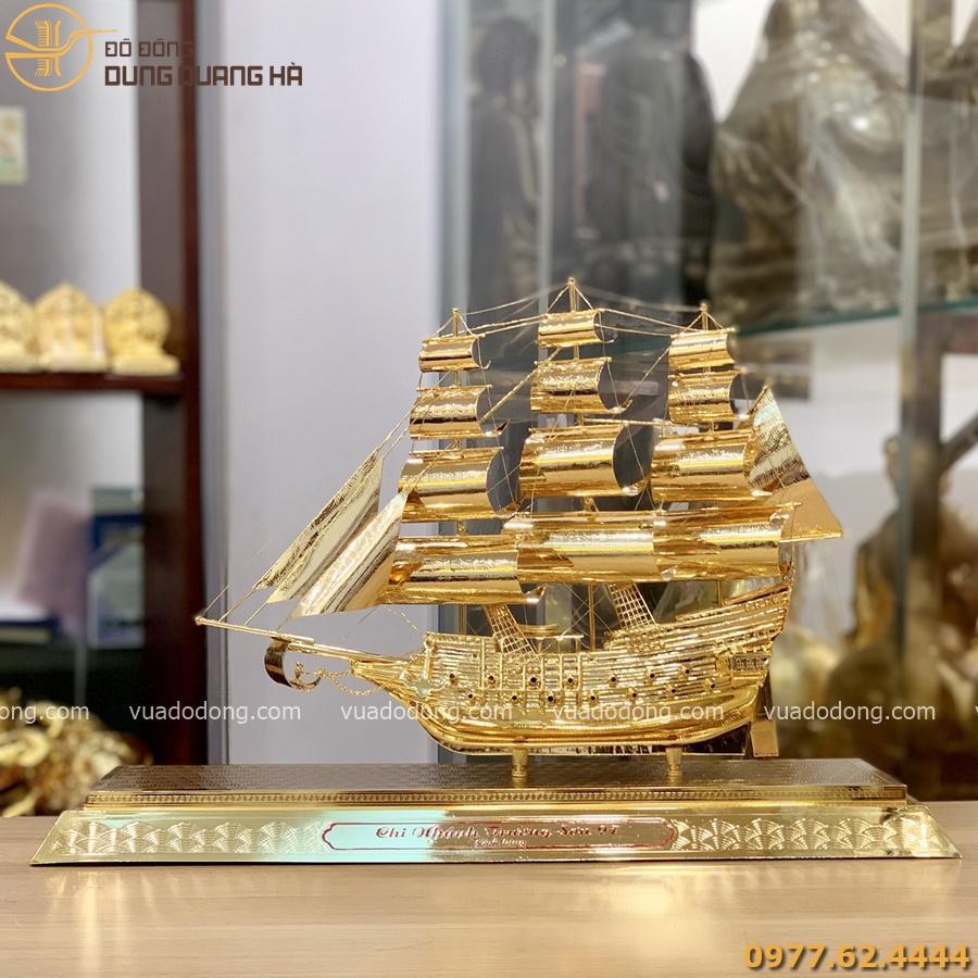 Thuyền buồm phong thủy thuận buồm xuôi gió mạ vàng 24k mẫu 2