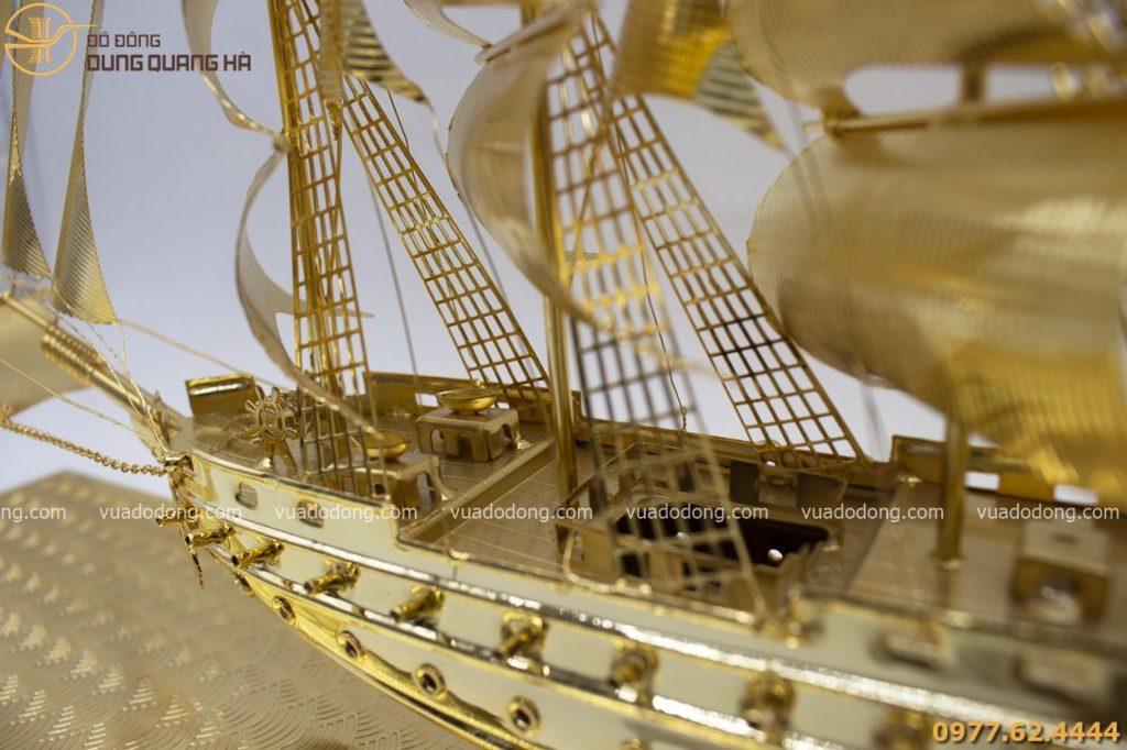Thuyền buồm phong thủy thuận buồm xuôi gió mạ vàng 24k
