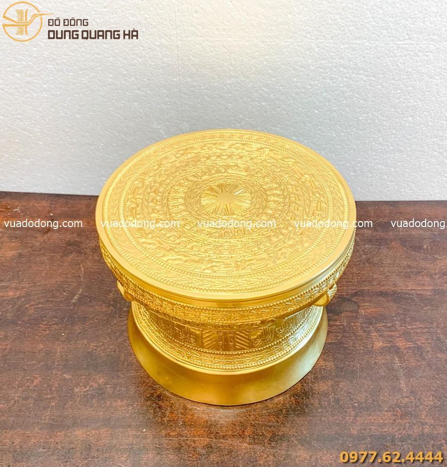 Quả trống lưu niệm bằng đồng đỏ dát vàng cao 30cm