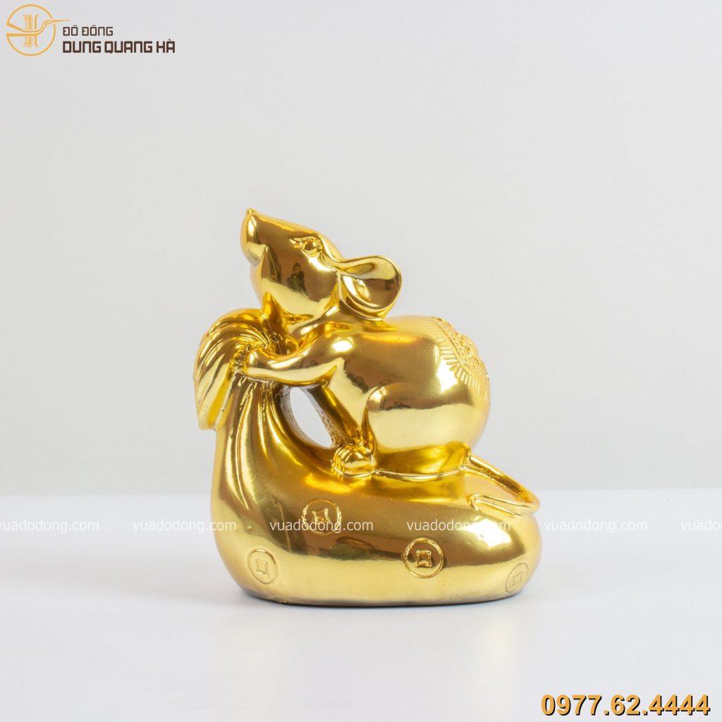 Tượng chuột đứng trên túi tiền mạ vàng 24k
