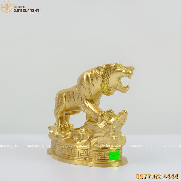 Tượng hổ bằng đồng vàng cát tút có thiết kế độc đáo