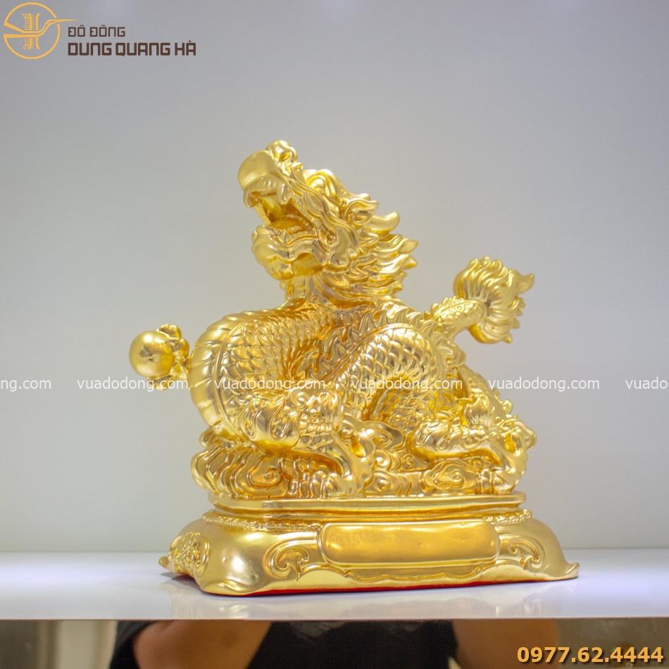 Tượng rồng nắm long châu có thiết kế tinh tế