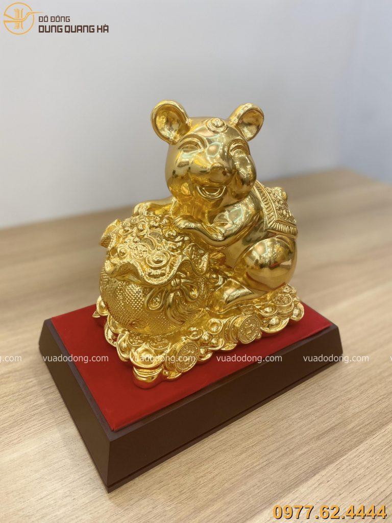 Tượng chuột ôm túi vàng