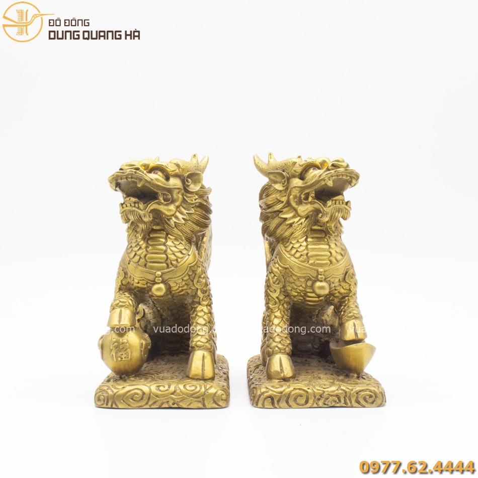 Đôi Kỳ Lân ngồi bằng đồng vàng mộc