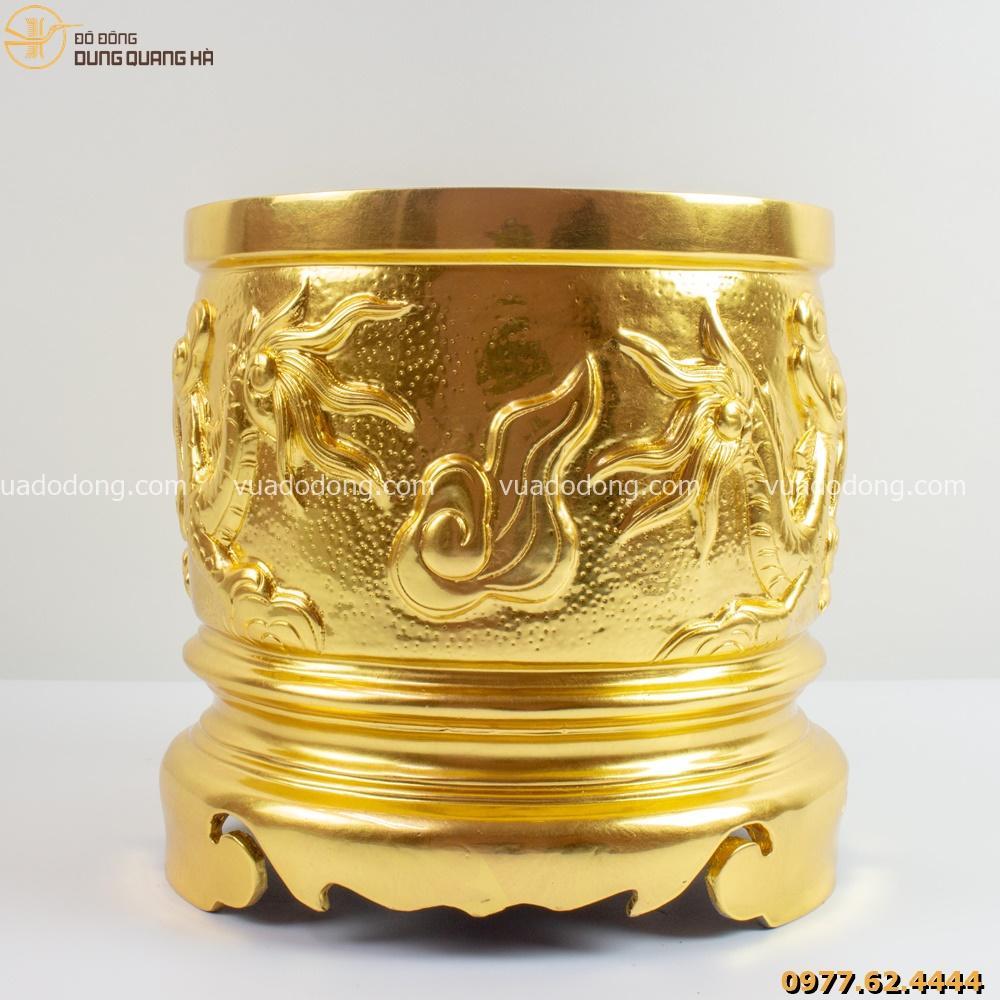 Bát hương song long bát quái thếp vàng có thiết kế sang trọng nhưng không kém phần linh thiêng