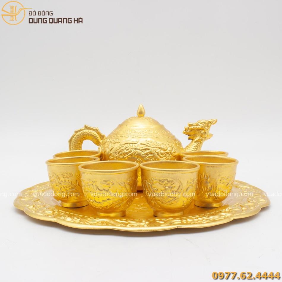 Bộ ấm trà bằng đồng mạ vàng chạm rồng