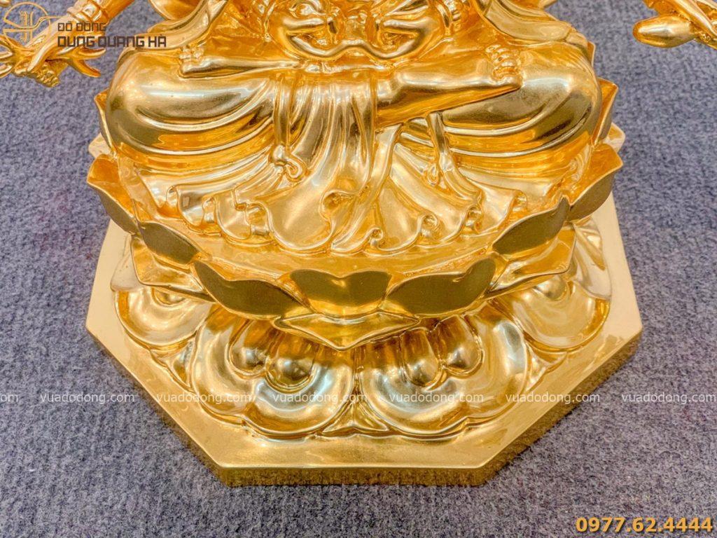 Tượng phật Chuẩn Đề dát vàng với màu sắc sang trọng và bắt mắt