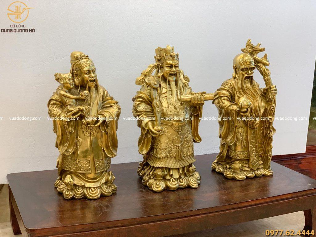 Bộ tượng Tam Đa đồng vàng mộc sang trọng