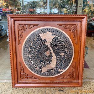 Tranh mặt trống đồng đỏ bản đồ việt nam (1)