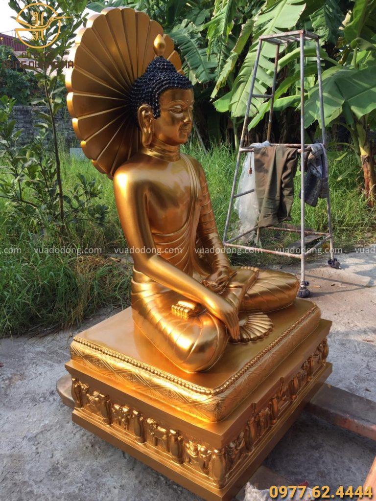 Tượng Phật Thích Ca bằng đồng đỏ tinh tế