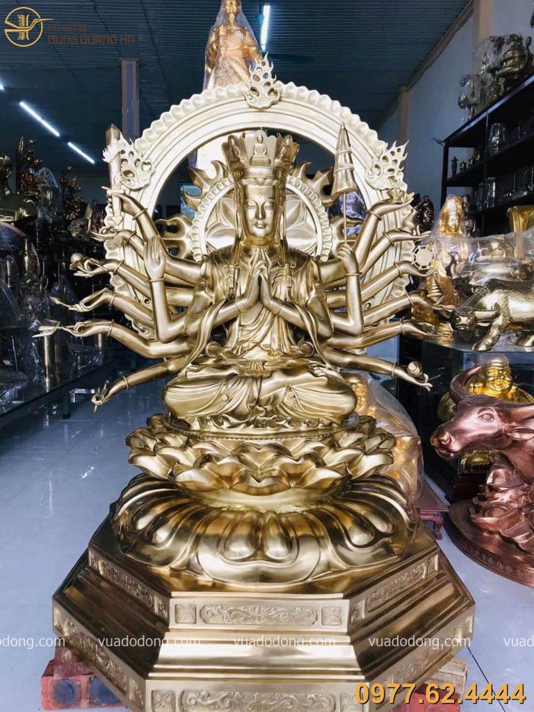 Tượng chuẩn đề bằng đồng vàng cát tút với vẻ đẹp thiêng liêng