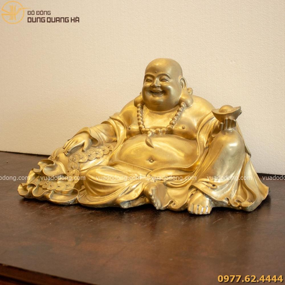Tượng Phật Di Lặc có thiết kế tinh tế