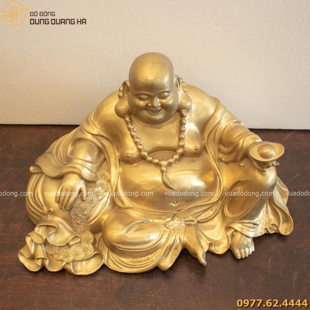 Tượng Phật Di Lặc có tạo hình độc đáo
