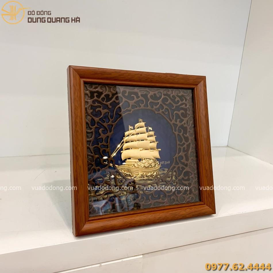 Tranh lưu niệm thuyền buồm mạ vàng cuốn hút