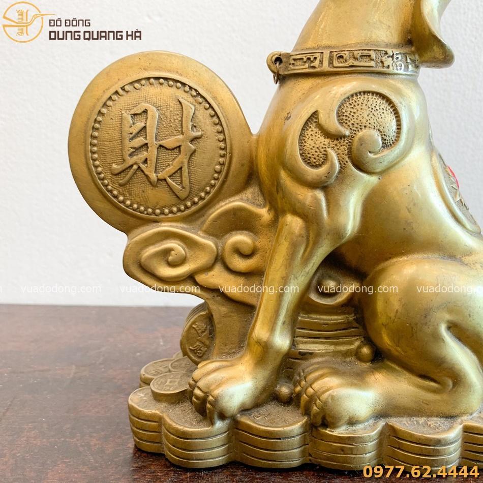 Tượng chó bằng đồng vàng tinh tế