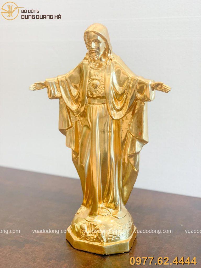 Tượng chúa dát vàng sang trọng