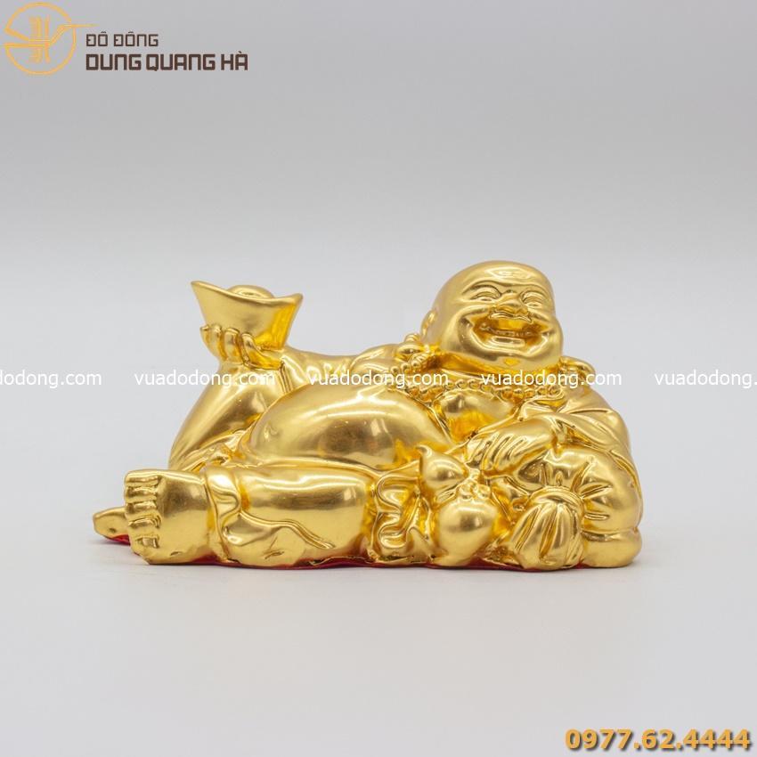 Tượng Phật Di Lặc nằm nâng kim nguyên bảo thếp vàng