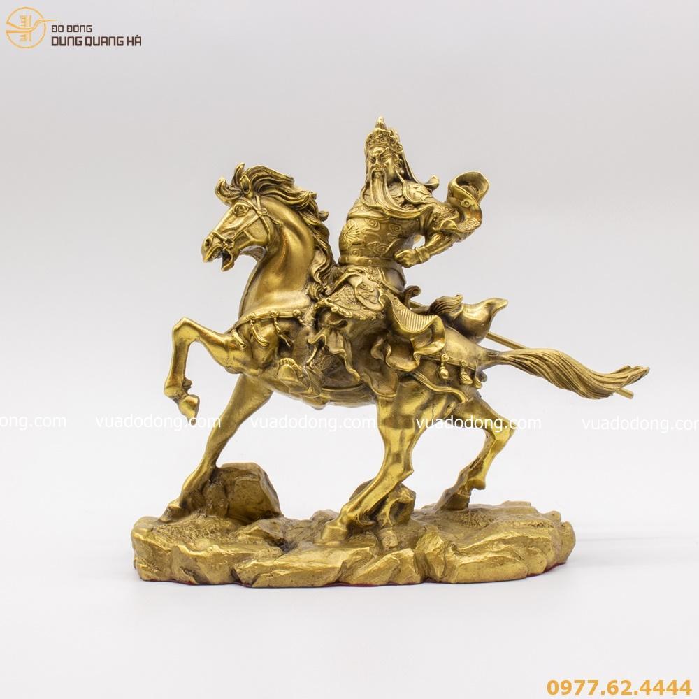 Tượng Quan Công bằng đồng vàng mộc