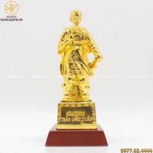 Thiết kế tượng đồng Trần Quốc Tuấn