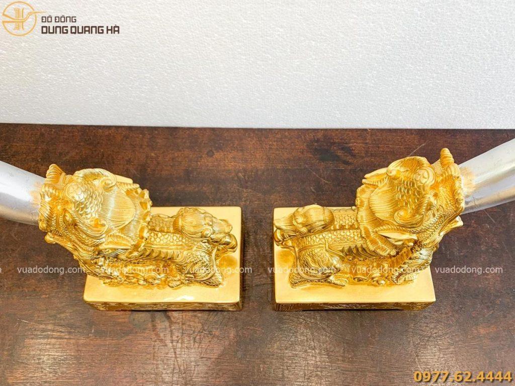 Tượng nghê ngà voi bằng đồng đỏ dát vàng tinh xảo