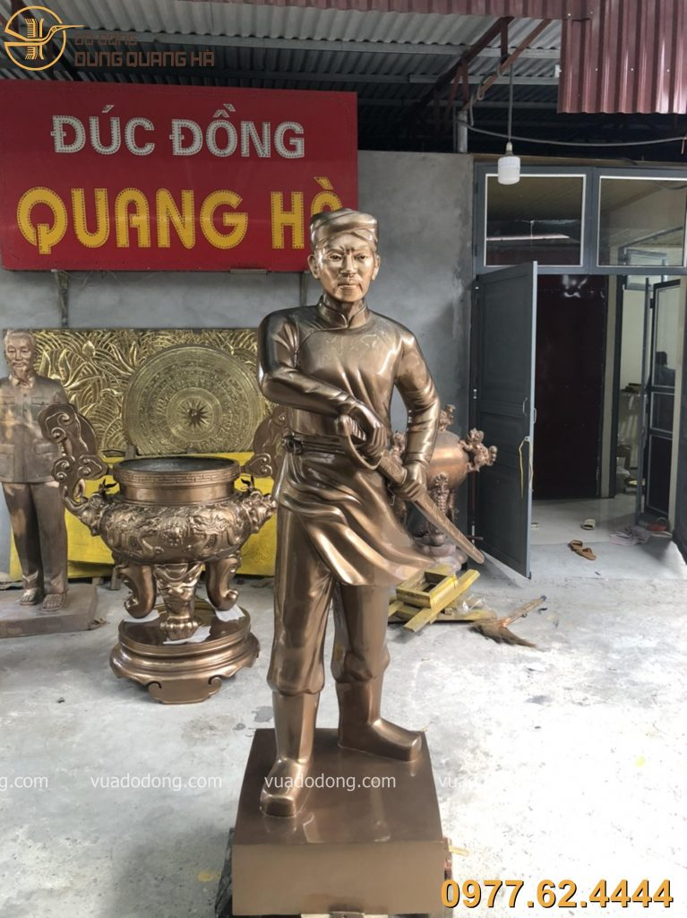 Tượng Nguyễn Trung Trực với vẻ đẹp độc đáo
