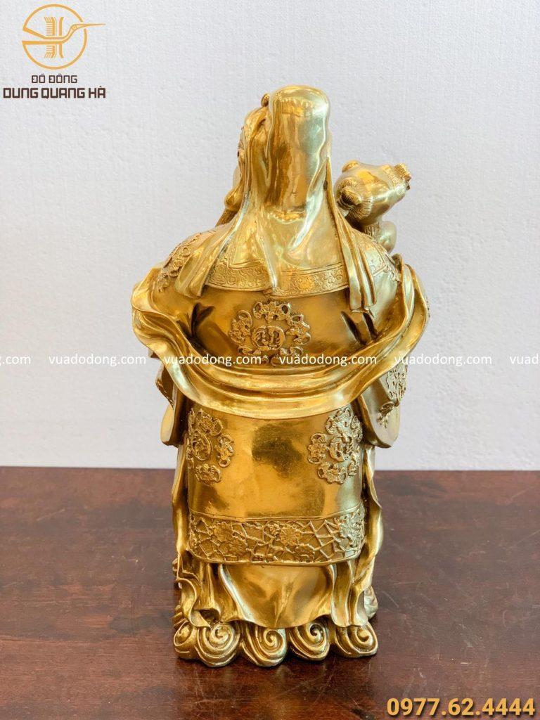 Tượng ông Phúc bằng đồng vàng sang trọng