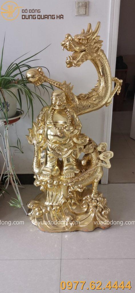 Tượng Phật Di Lặc cưỡi rồng có thiết kế vô cùng độc đáo