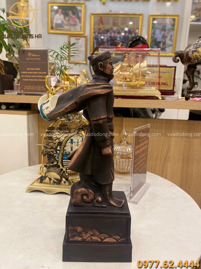 Tượng Trần Quốc Tảng bằng đồng đỏ hun giả cổ cao 38cm