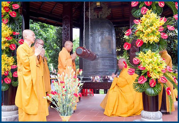 Chuông đồng gắn liền với Phật giáo