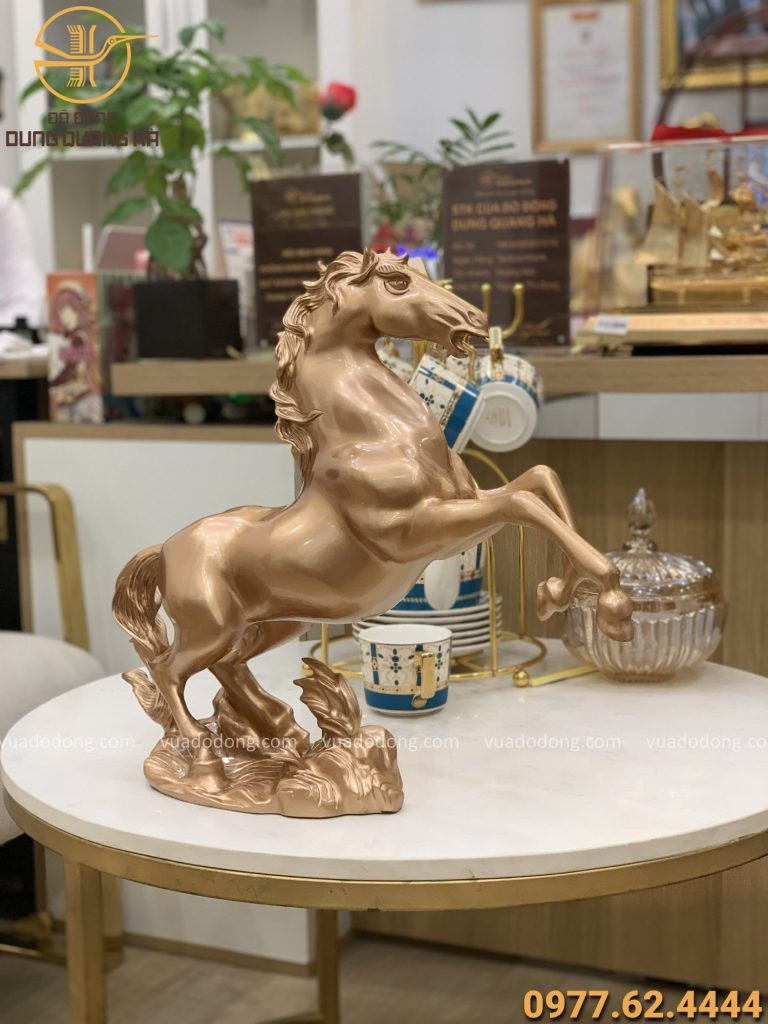 Tượng ngựa cao 44cm bằng đồng đỏ