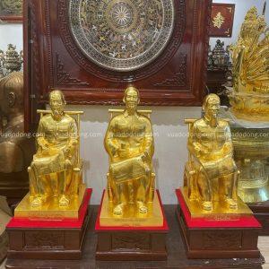 Tượng Bác Hồ ngồi ghế mây cao 60cm bằng đồng thếp vàng 9999