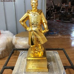 Tượng vua Lê Đại Hành cao 50cm bằng đồng mạ vàng 24k
