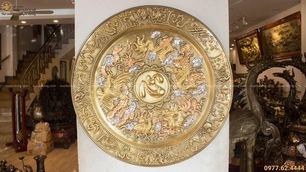 Mâm đồng chữ Tâm kết hợp với tranh Tứ linh đường kính 52cm