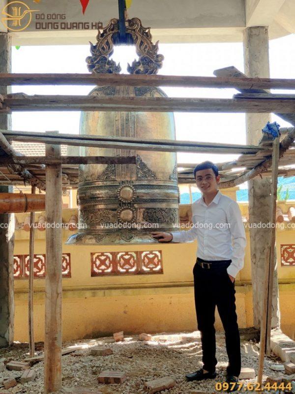 Đúc chuông đồng nặng 1 tấn tại chùa Bàu, Ba Vì, Hà Nội
