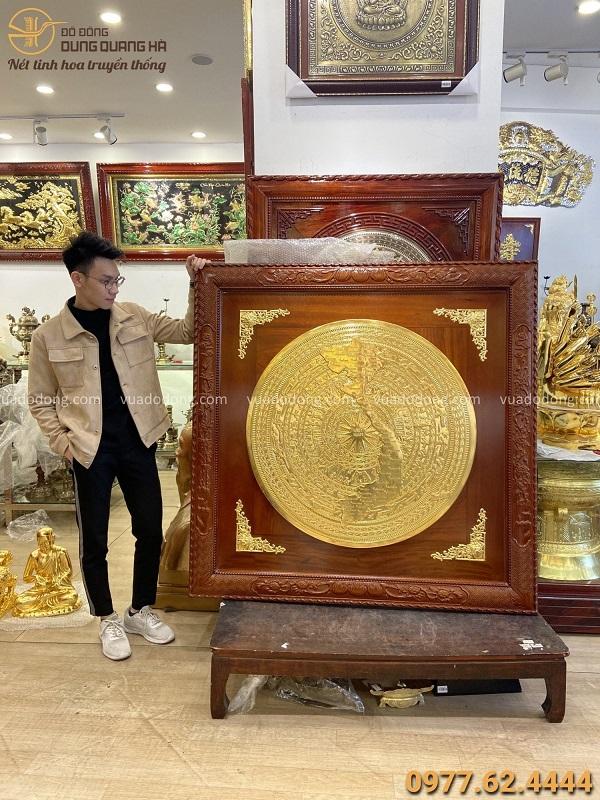 Mặt trống đồng đường kính 90cm thếp vàng khung gỗ gụ 1m33
