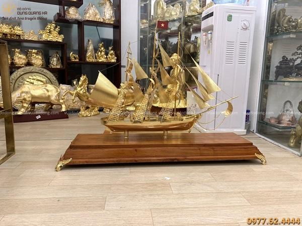 Mô hình thuyền buồm mạ vàng 24k dài 88cm cao 60 cm đế 1m04