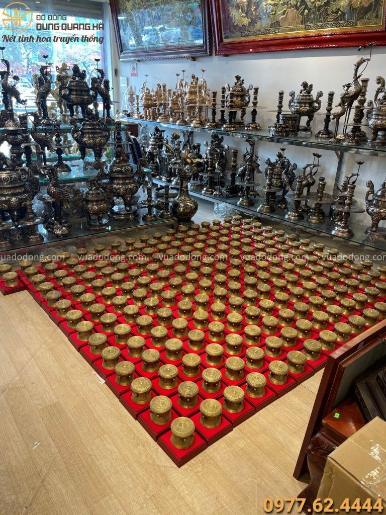 250 mẫu trống đồng lưu niệm được chế tác tinh xảo