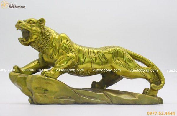 Tượng hổ bằng đồng vàng mộc